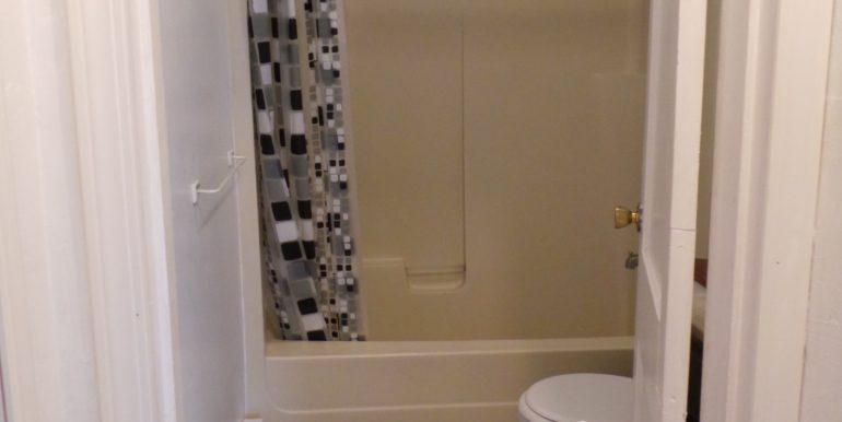 1936w5th.bathroom