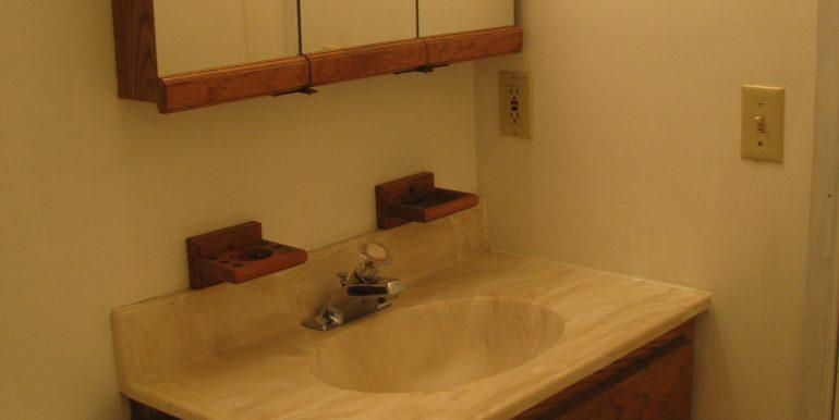 1936w5th.bathroom3