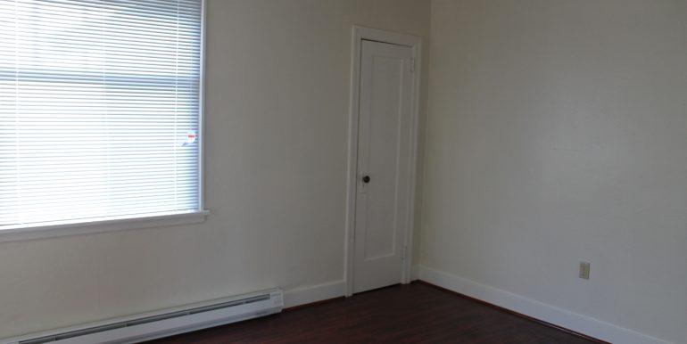 702 East 1st Street house