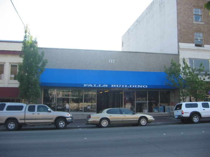 127 E First Street, #4E