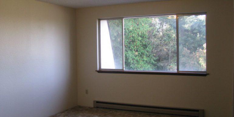 2945ewalnut-6.bedroom
