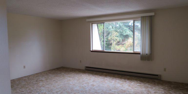 2945ewalnut-6.livingroom