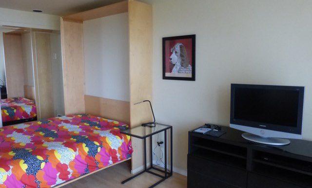 405efront-4.bedroomb