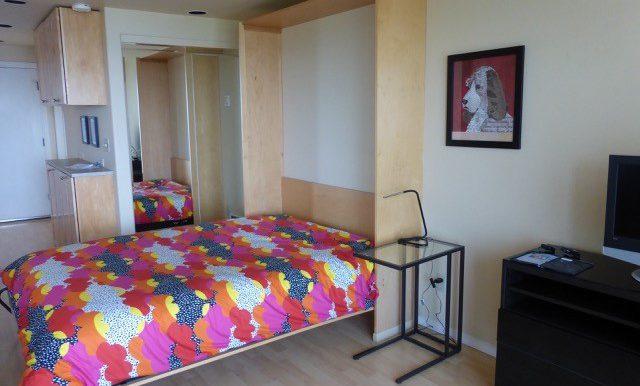 405efront-4.bedroomc
