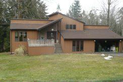 klein-136-southridge-front-yard-exterior