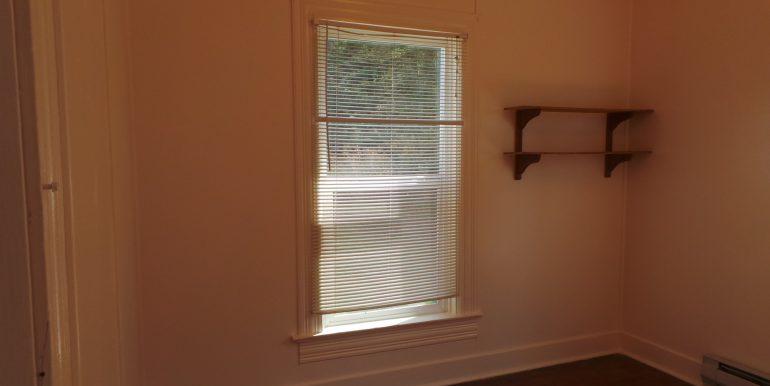 2373portwilliamsroad-1stbedroom
