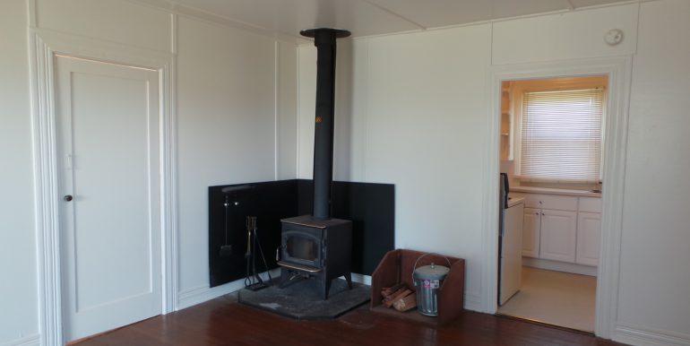 2373portwilliamsroad-livingroomc