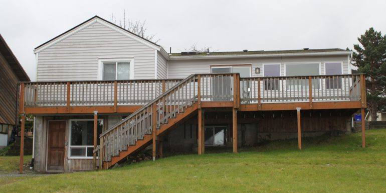 119 Fogarty Ave back exteroir with large deck