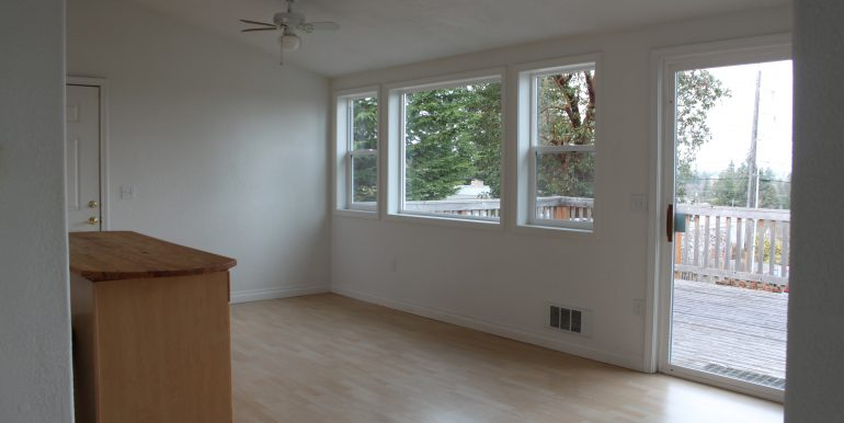 119 Fogarty Ave dining room