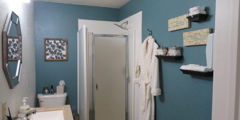 303tumwater-200.bathroomb