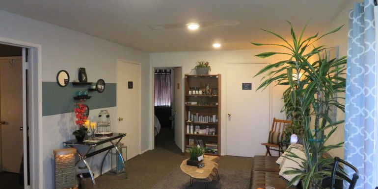 303tumwater-200.front room-lobby