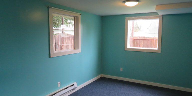 505-.5w12th.bedroom