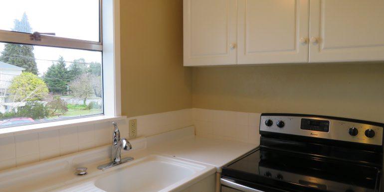 505-.5w12th.kitchen