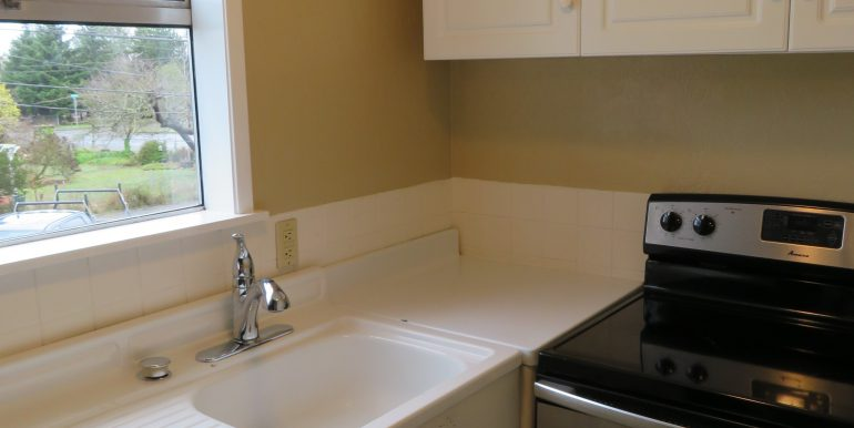 505-.5w12th.kitchenb