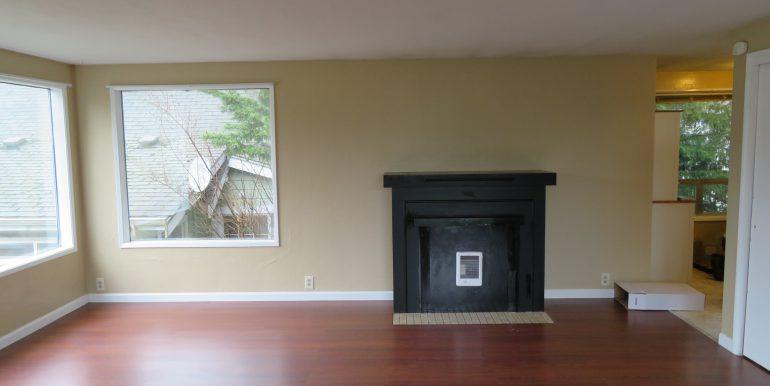 505-.5w12th.livingroom