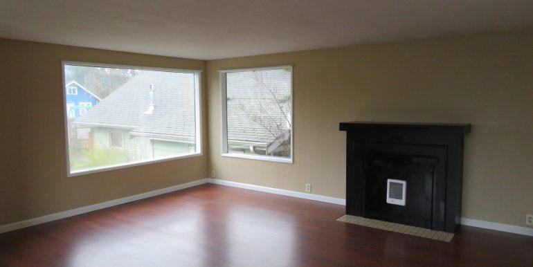 505-.5w12th.livingroomb