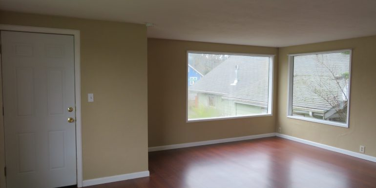 505-.5w12th.livingroomc