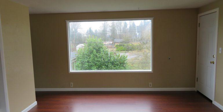 505-.5w12th.livingroomd