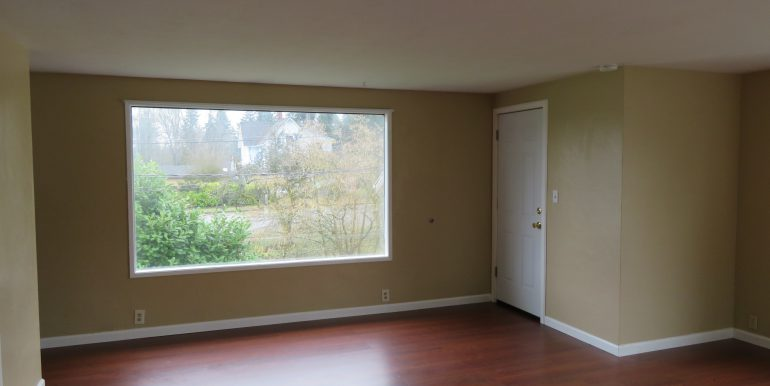 505-.5w12th.livingroomf
