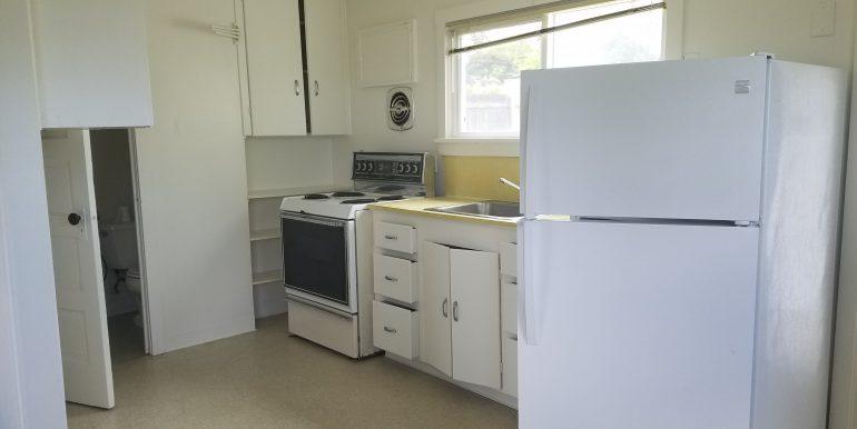 528 Whidby kitchen