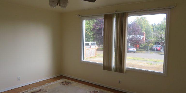 708e6th.livingroomb