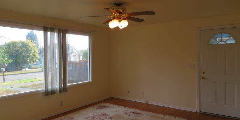 708e6th.livingroomc