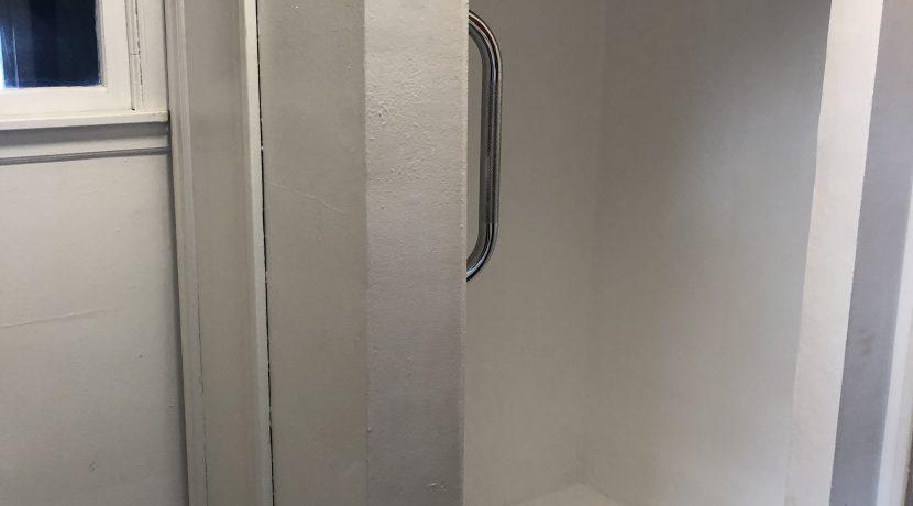224 Jones St shower