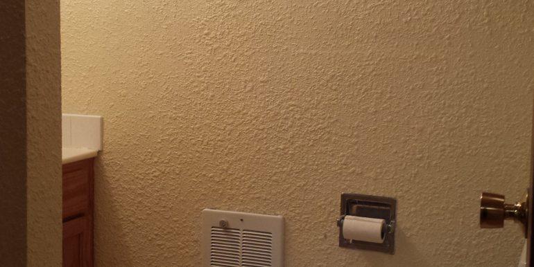 2023 E 4th Avenue bathroom