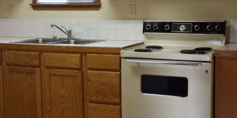 2023 E 4th Avenue kitchen