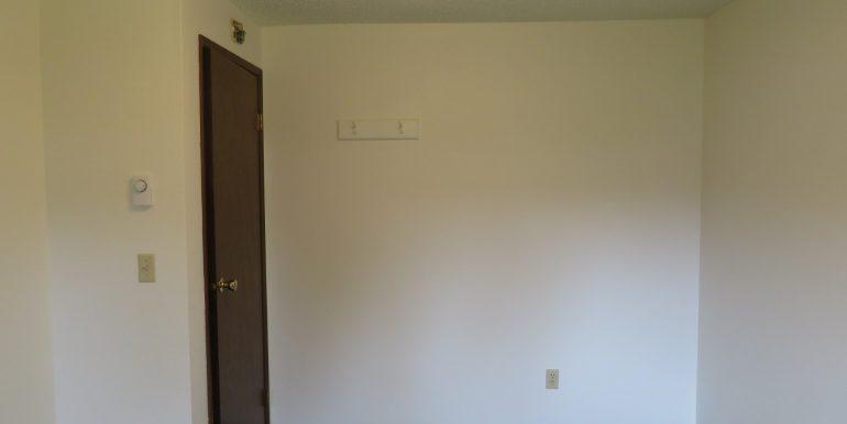 12sunriseplace.eastbedroom