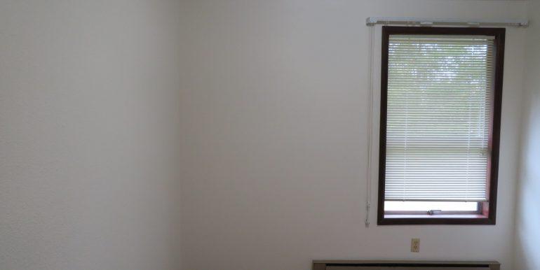 12sunriseplace.middlebedroom