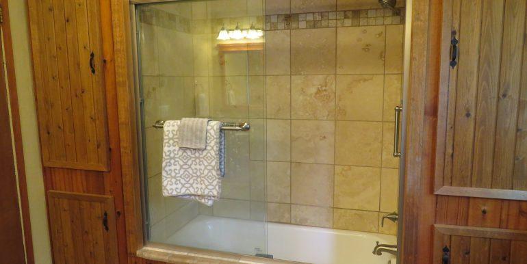 3632 obrien road.bathroomb