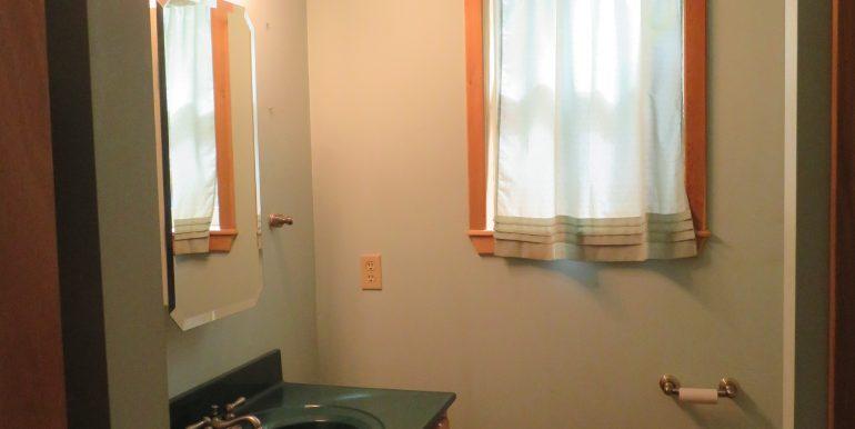 172levig.2ndbathroom