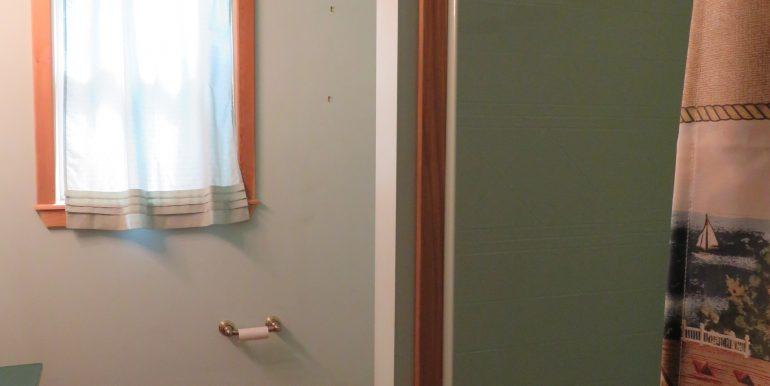 172levig.2ndbathroomb