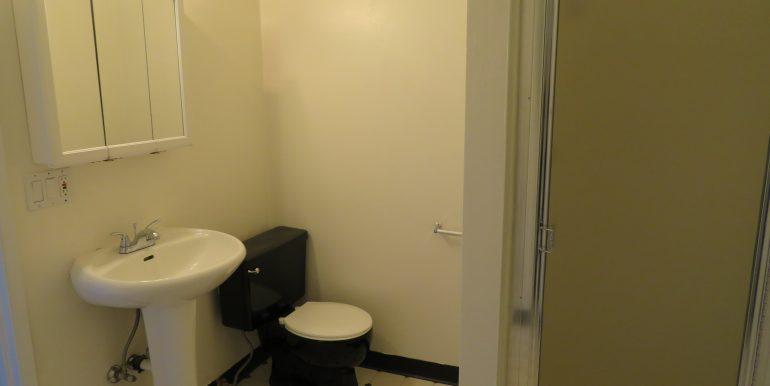 1309e4th.masterbathroom