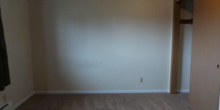 420slaurel-8.bedroom