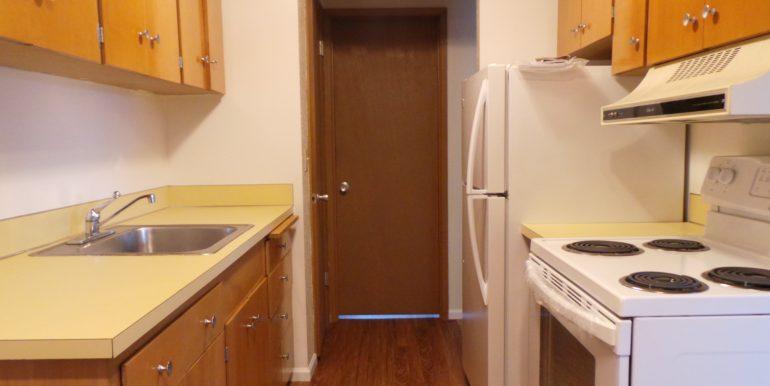 420slaurel-8.kitchen