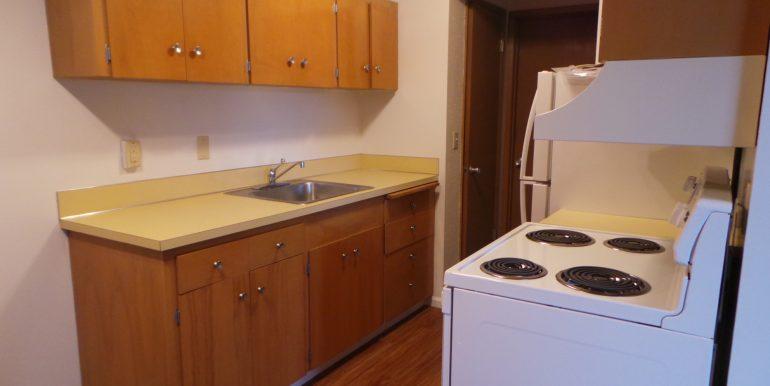 420slaurel-8.kitchenb