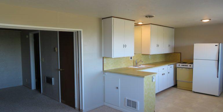 1522w4th-b.kitchen