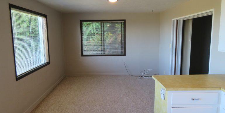 1522w4th-b.livingroom