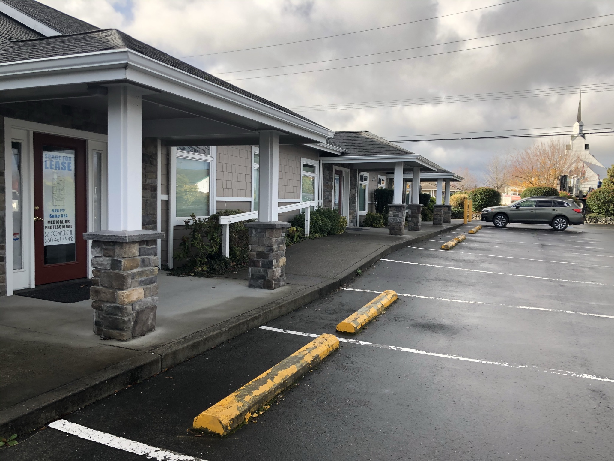 520-526 N. 5th Ave, Sequim WA 5th Avenue Plaza- Office /Clinic Space